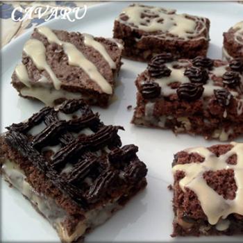 Bizcochos de chocolate y nueces rellenos
