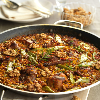 arroces, carne, conejo, judías verdes, nueces, paella, perejil, pimiento, pimiento rojo, principales, recetas
