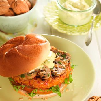 hamburguesa-vegetal-de-frijoles-quinoa-y-nueces