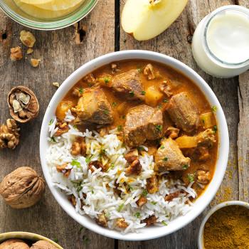 bol-de-cordero-con-pina-y-nueces-al-curry