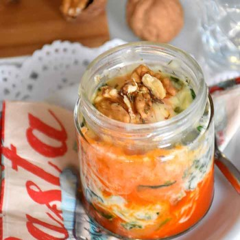mug-cake-lasana-de-espinacas-queso-mozzarella-y-nueces