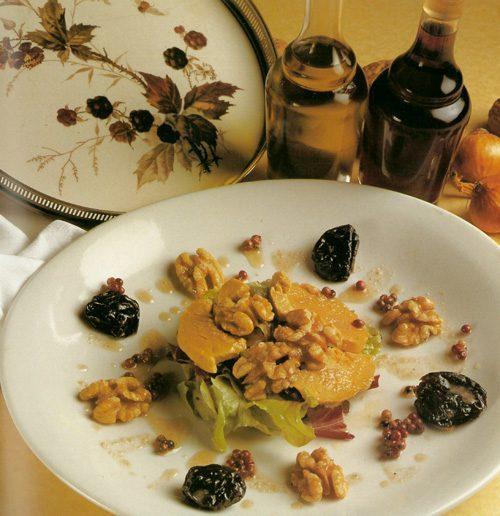 Ensalada de foie gras ahumado, higos caramelizados y vinagreta de nueces