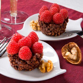 Tartaletas de nueces, chocolate y frambuesa