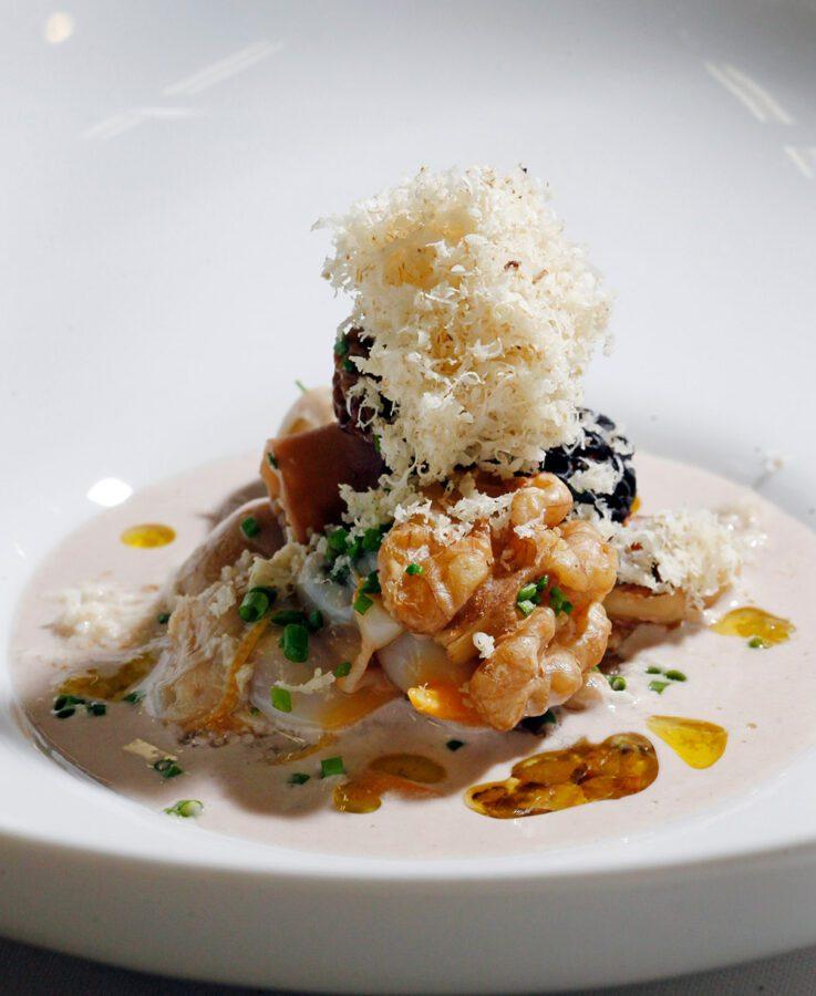 Orxata salada de nuez con berberechos y vinagreta de Jerez