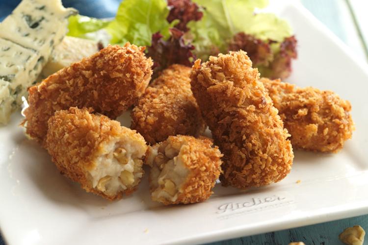 Croquetas de queso azul y nueces
