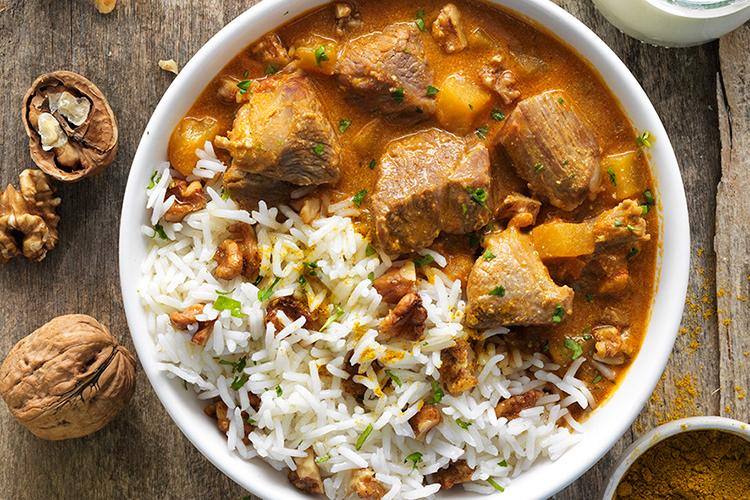 ¡Añade un toque indio a tus comidas gracias a este bol de cordero y curry!