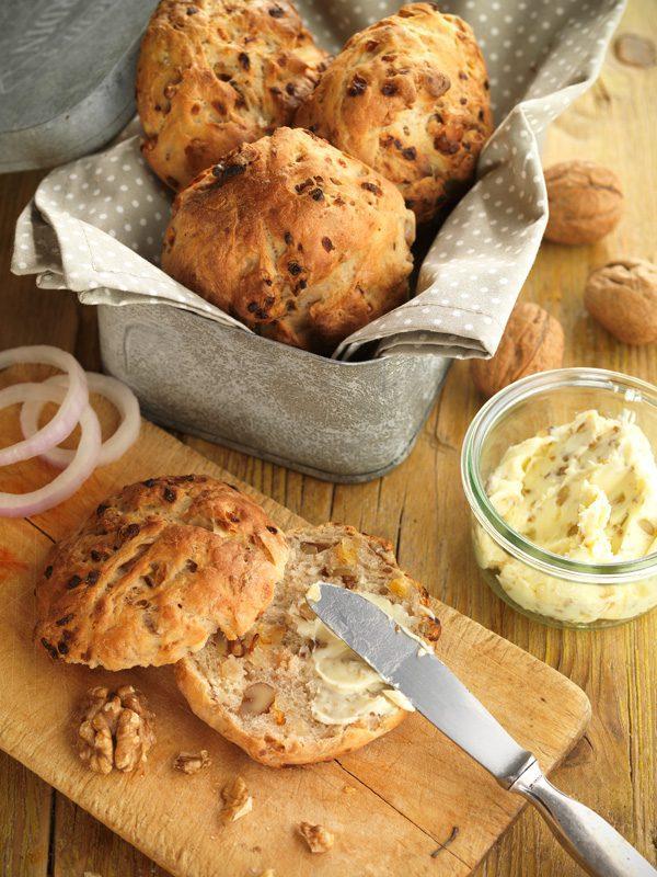 Pan de nueces y cebolla