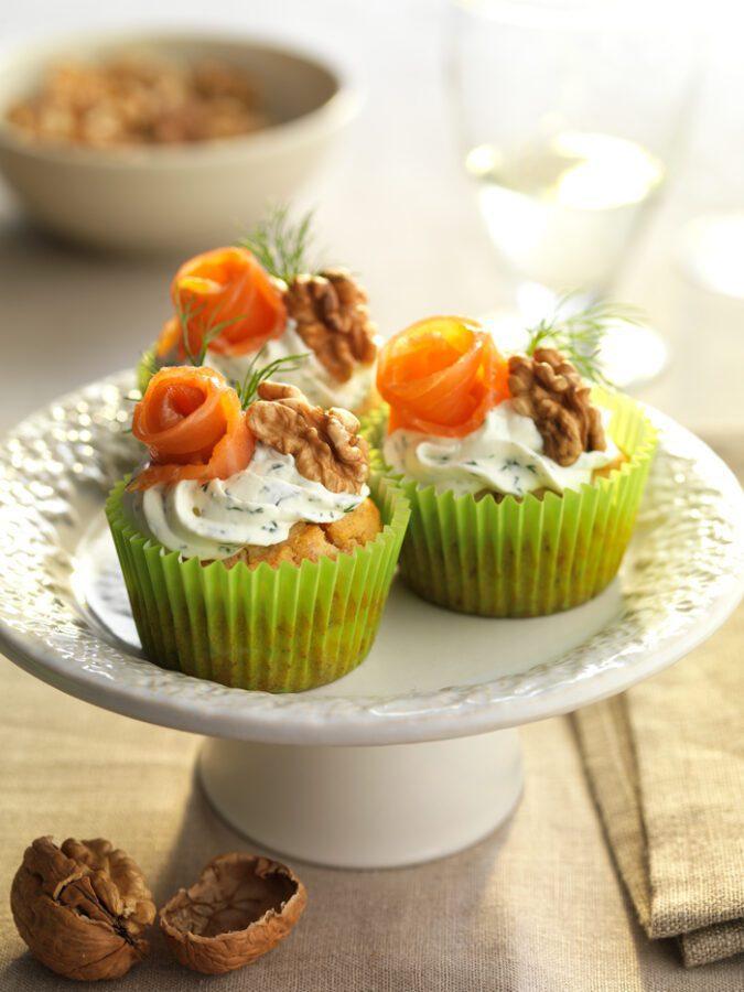 Cupcakes de requesón, nueces y salmón