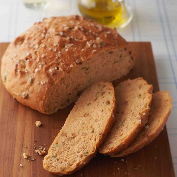 Pan de aceitunas y nueces
