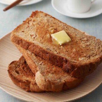 Pan de azúcar moreno y nueces