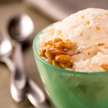 gelato-de-ricotta-fresca-y-nueces-destacada