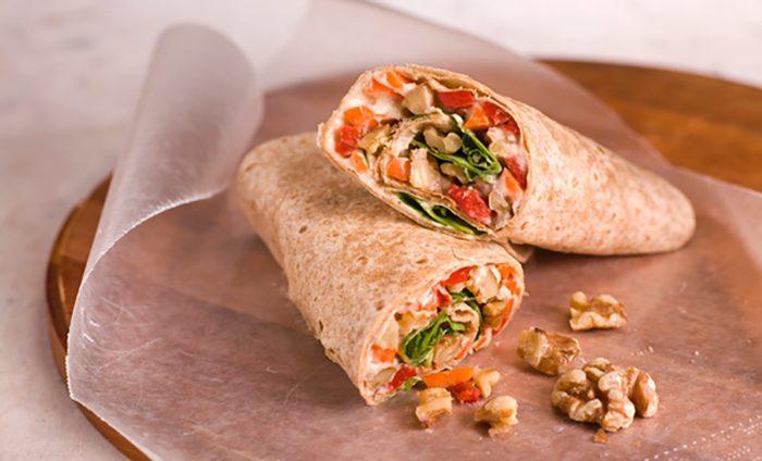 Wraps vegetarianos con hummus