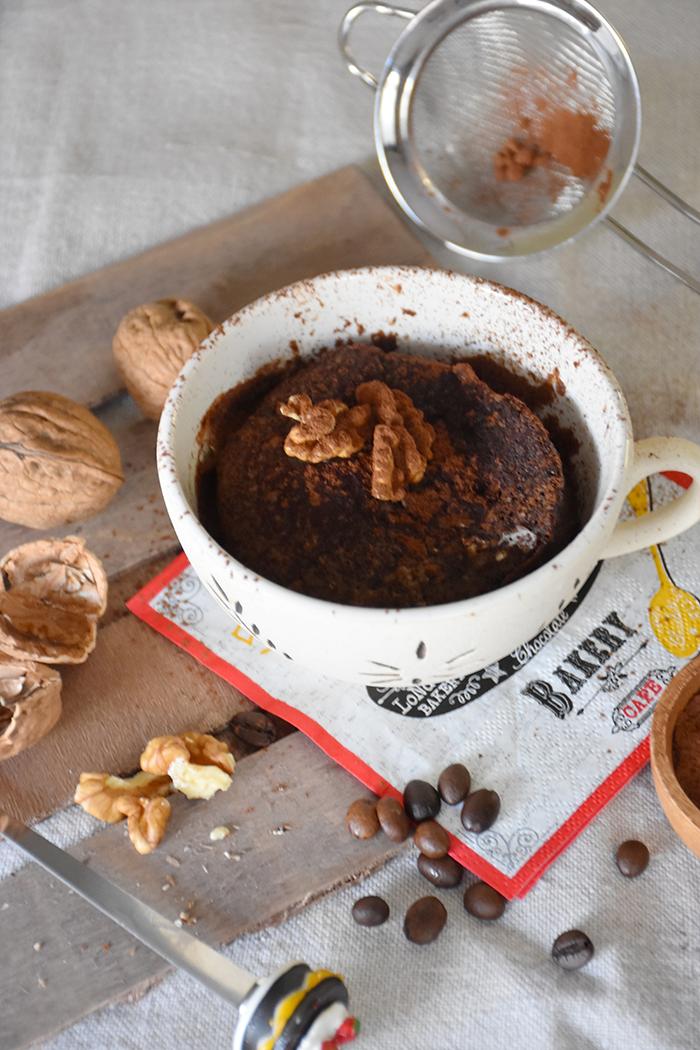 mug-cake-de-moka-con-cacao-y-nueces