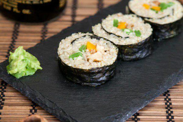 Maki de quinoa con nueces