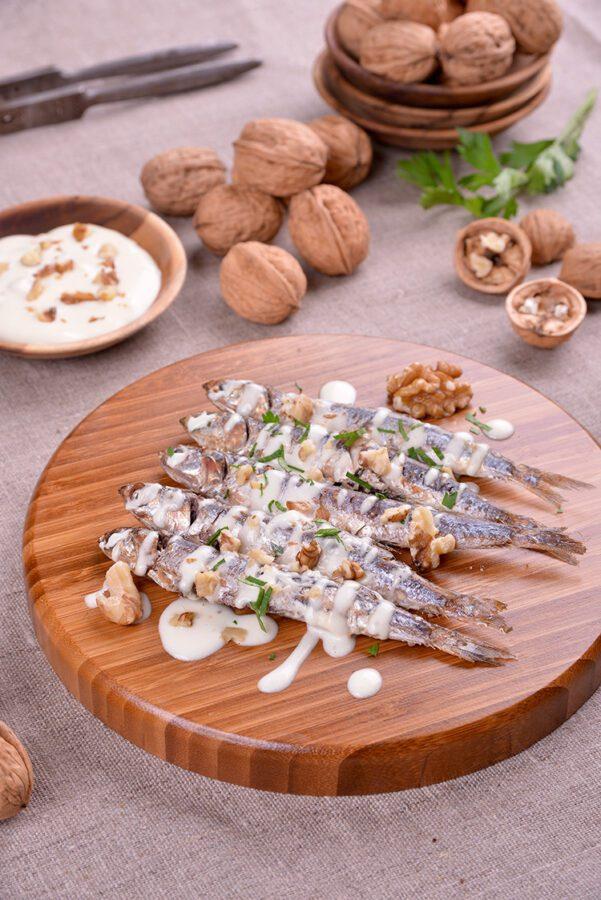 sardinas-con-mahonesa-de-nueces