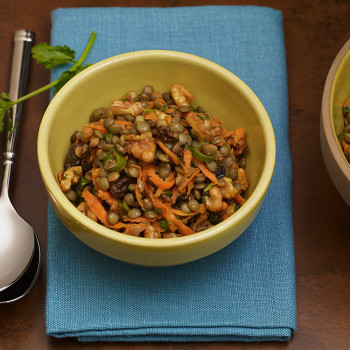 Ensalada de lentejas al curry con nueces