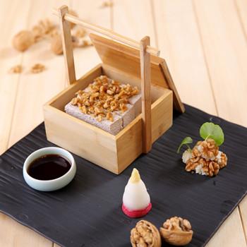 Tofu con Nueces de California