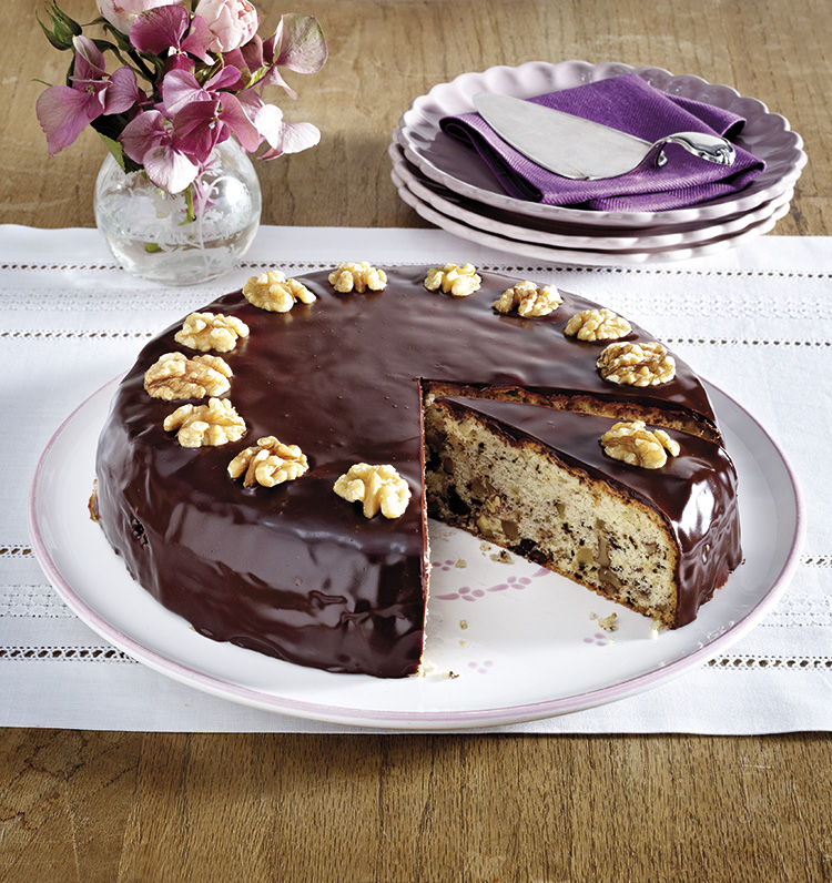Pastel de vainilla, chocolate y nueces