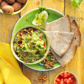 destacada-nachos-caseros-de-nueces-y-guacamole