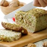 sandwich-de-pan-de-brocoli-y-nueces-muhammara-de-nueces-paso-1