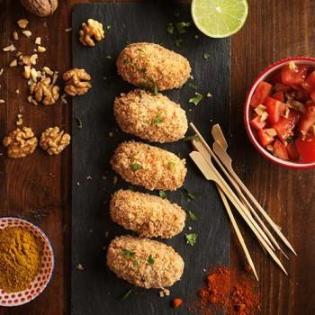 Croquetas de pollo, curry y nueces